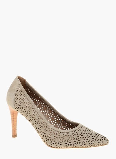 Divarese Desenli Süet Stiletto Ayakkabı Ekru